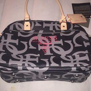 Women New Collection Guess Handbags on Poshmark